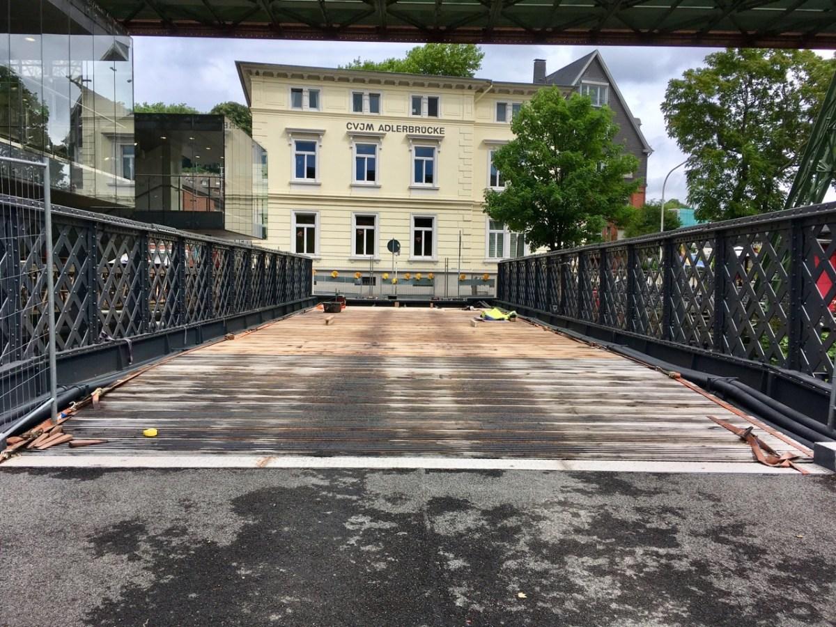 Adlerbrücke: Autos müssen draußen bleiben