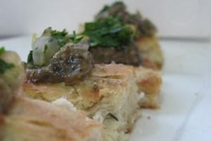 פוקצ׳ה עם קרם חצילים