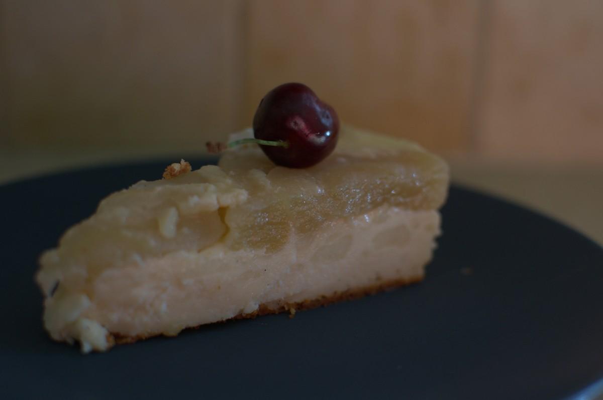 עוגת גבינה ותפוחים הפוכה מושלמת וקלה להכנה
