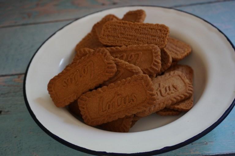 עוגיות לוטוס כבסיס לעוגת גבינה