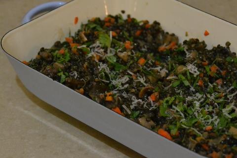 סלט עדשים שחורות עם ראגו פטריות
