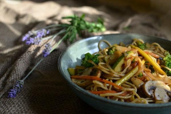 פסטה עם ירקות אביביים