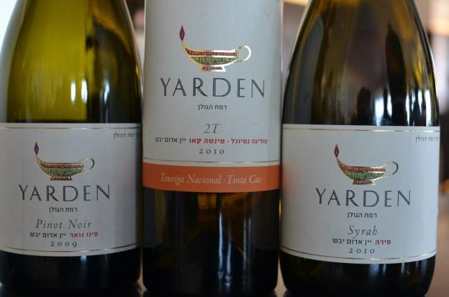 על יינות, חומרי גלם ופלצנות