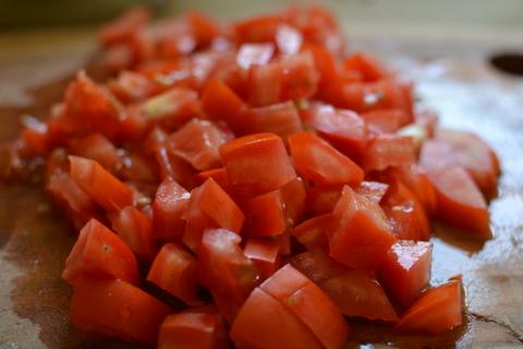 קוביות של עגבניות