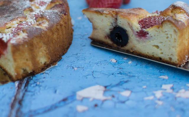 עוגת ריקוטה עם תותים