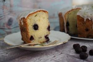 עוגת אוכמניות-ליים עם זיגוג לימוני משגע