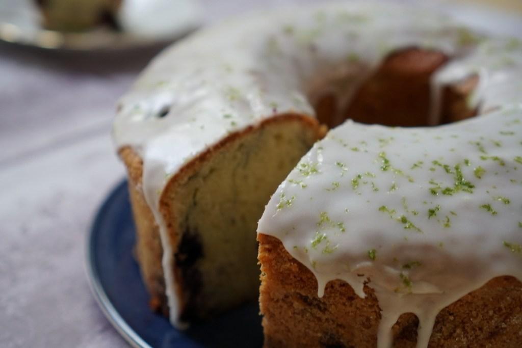 עוגת אוכמניות ליים עם זיגוז לימוני משגע