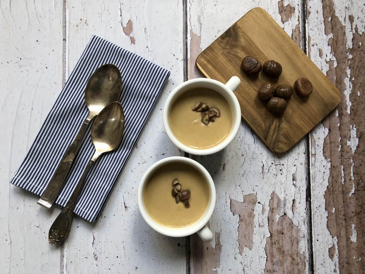 מרק קרם ערמונים עם דוקסל פטריות