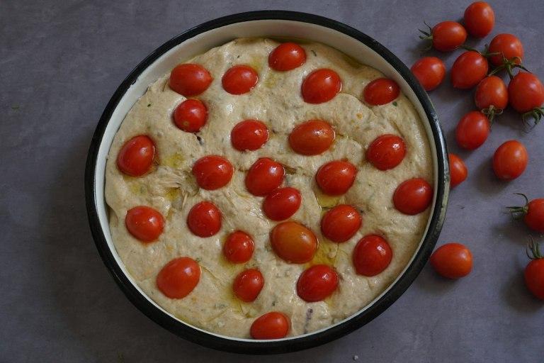 פוקצ'ת עגבניות שרי