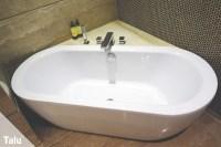 Acryl-Badewanne hat Kratzer - so reparieren sie diese ...