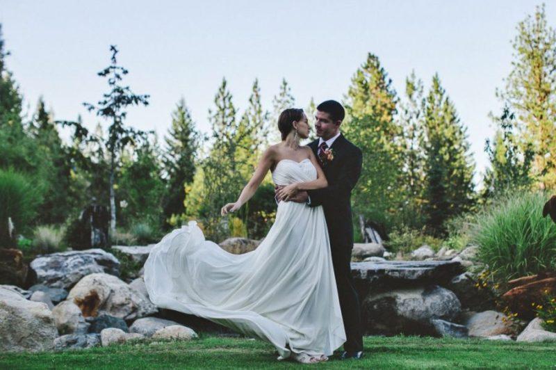 wedding-couple-w-dress-1024x682