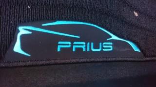 新型プリウス(ZVW50系) フロアマット(ラグジュアリータイプ)レビュー