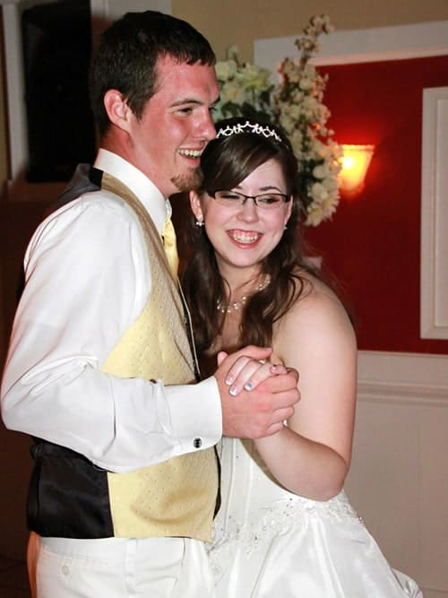 first dance must-have wedding photo
