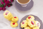 Melt-in-your-mouth cookies made with icing sugar and custard powder