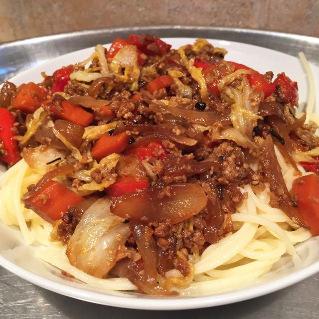 Spaghettis aux légumes caramélisés au poivre de Jamaïque et sauce soja citron yuzu