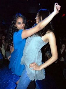 indian-girls-in-pubs
