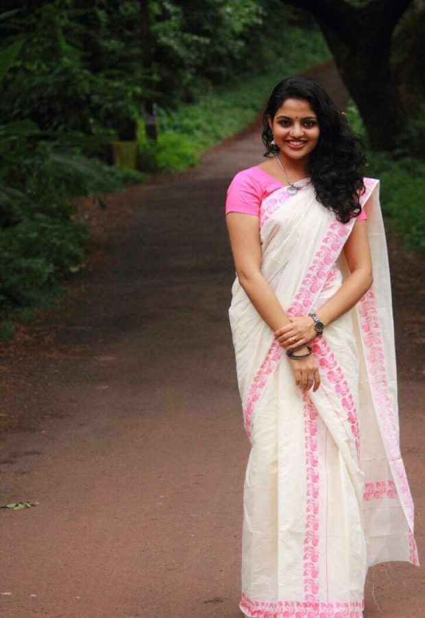 Onam Wallpapers Hd Best Nikhila Vimal Images And Latest Hd Wallpapers