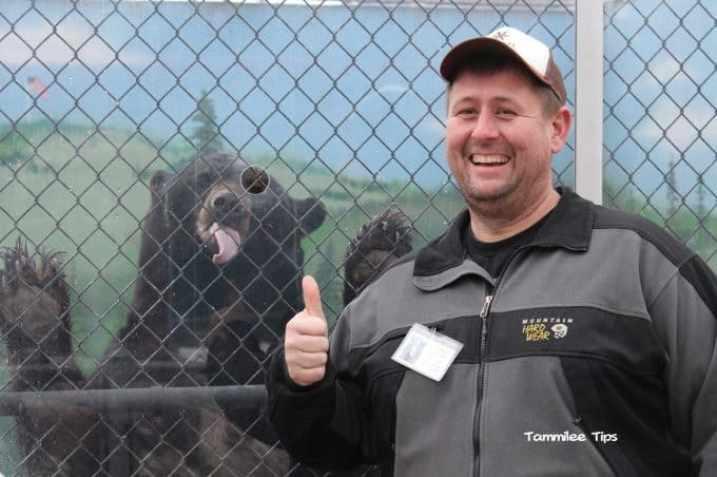 Cat Tales Spokane John thumbs up oscar