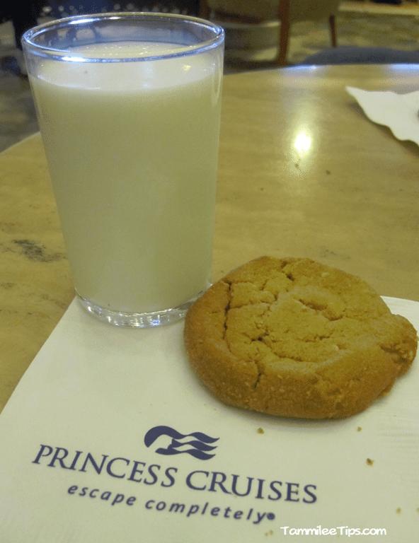 Golden-Princess-Cookies-and-Milk-2.png