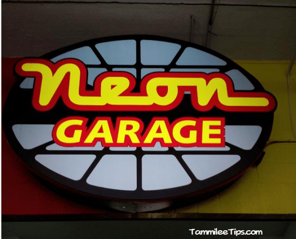 Kobalt-Tools-400-Las-Vegas-Neon-Garage.png