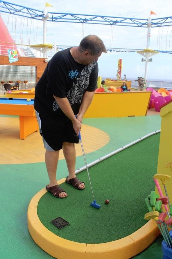 Carnival Breeze Putt Putt Golf