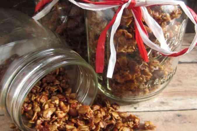 Gingerbread Granola Gift Jars