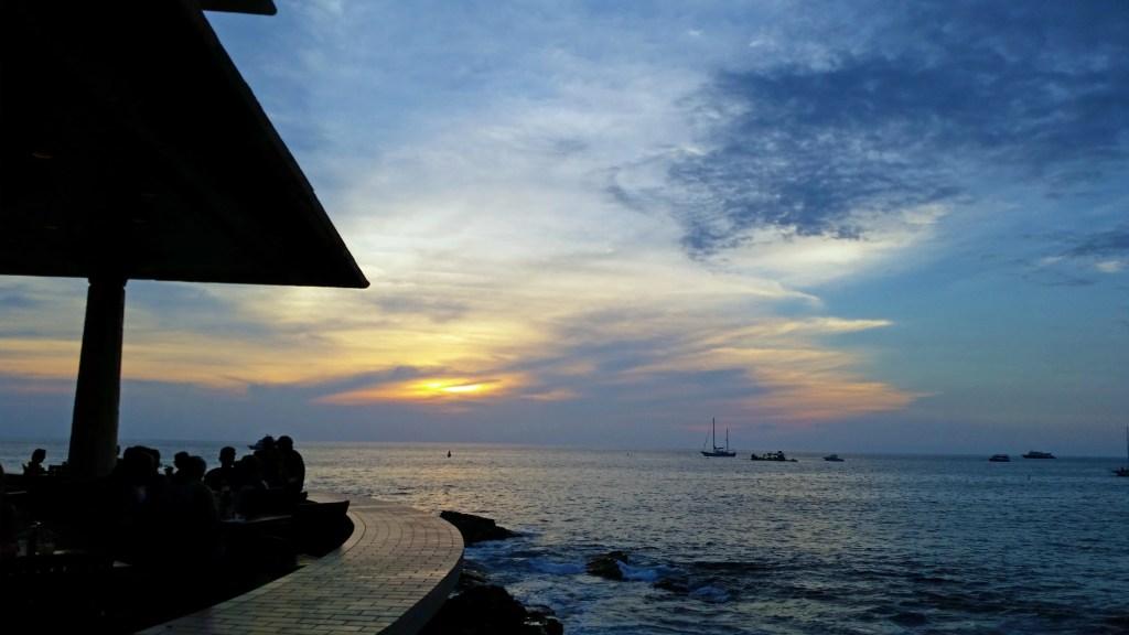 Sunset at Don the Beachcombers Kona Hawaii