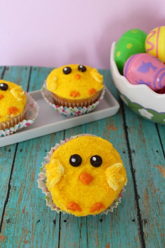 Super cute easter cupcakes not just for kids! These cute yellow chick cupcakes are easy to make and look so fun on your Easter table