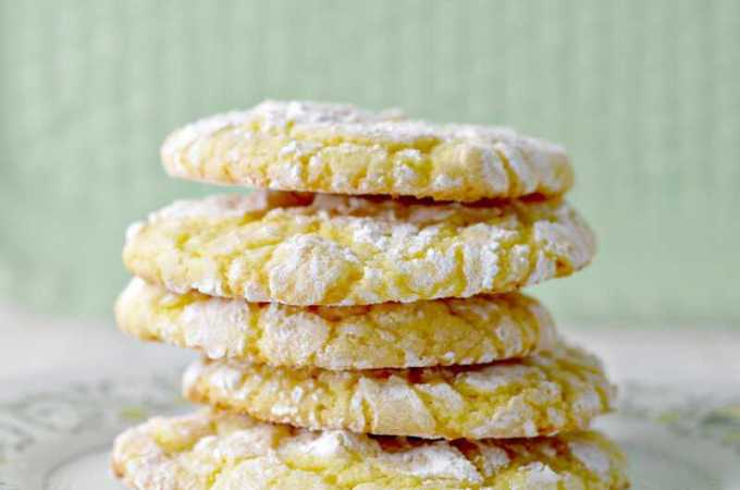 Lemon Crinkle Cookies Recipe! Only 6 ingredients!