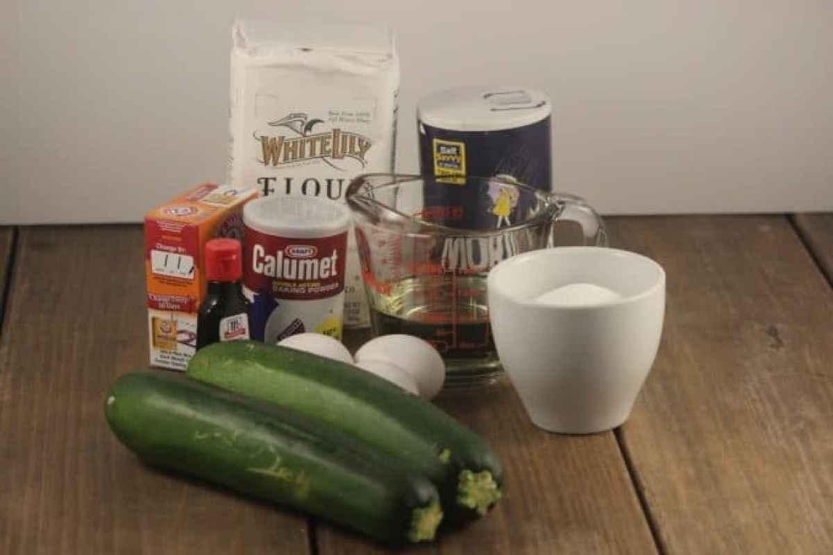 zuccinni bread recipe ingredients