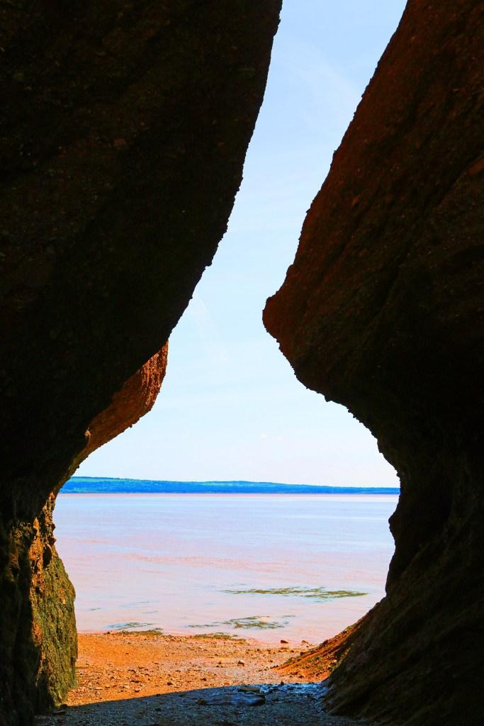 passageway hopewell rocks