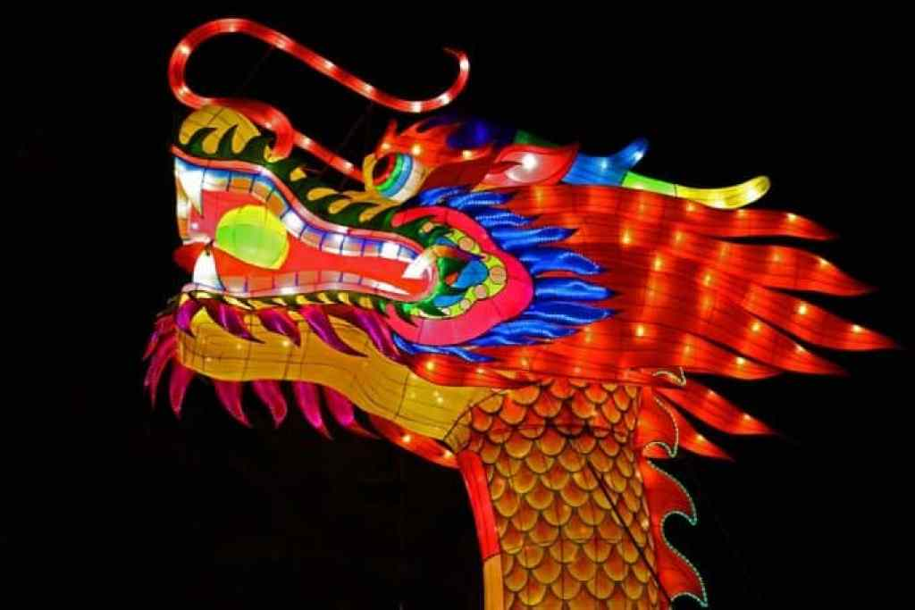 Dragon-Head-and-Chinese-Lantern-Festival-Spokane.jpg