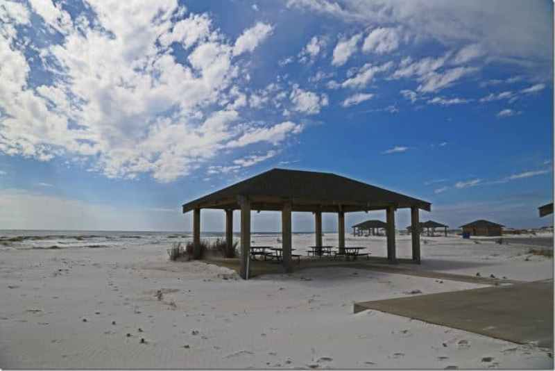 covered picnic tables at Gulf Islands National Seashore