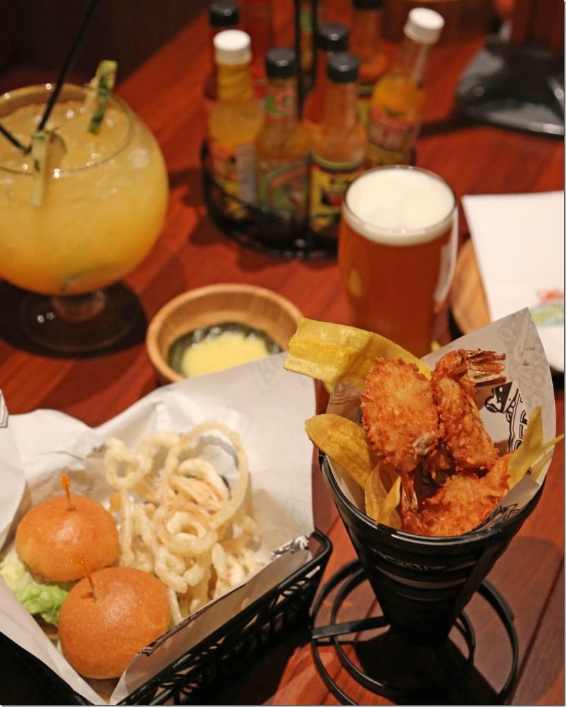 dinner-at-Redfrog-Pub-Carnival-Vista_thumb.jpg