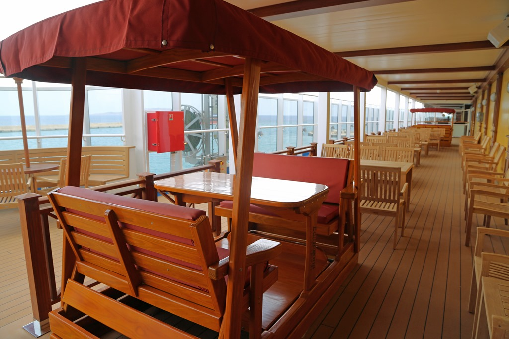 Red Frog Pub and Brewery on the Carnival Vista