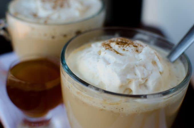 Crock Pot Pumpkin Spice Latte Recipe plus a boozy version!