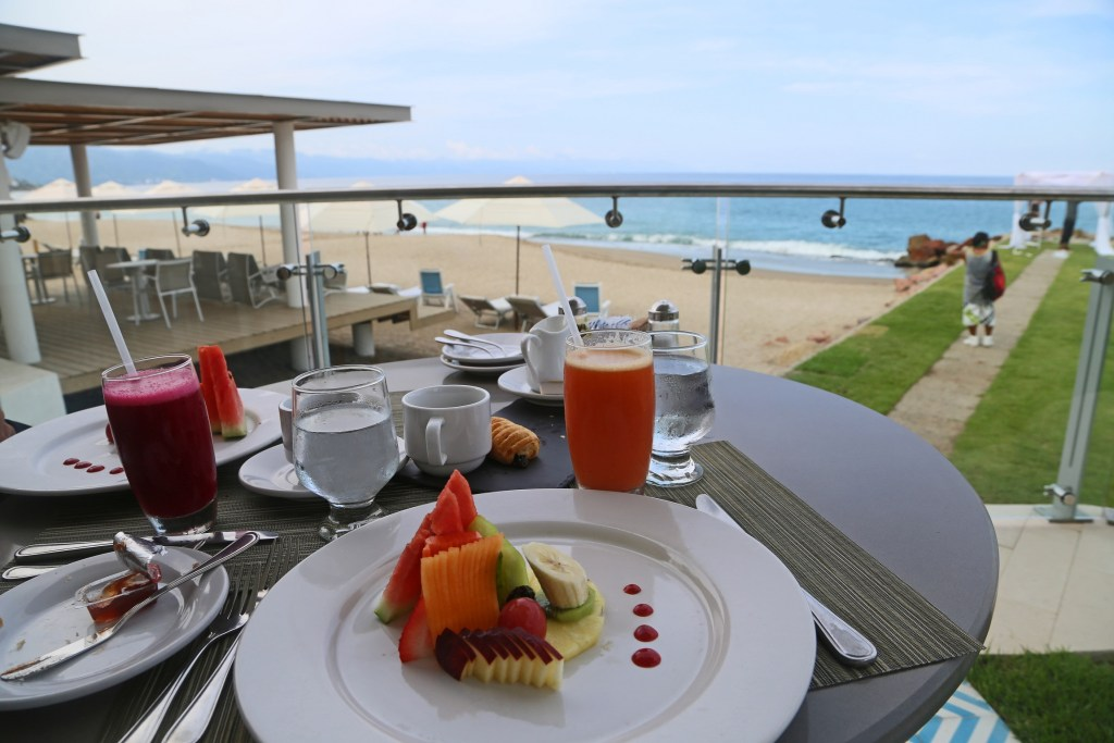 breakfast-with-a-view-villa-premeire-puerto-vallarta-mexico