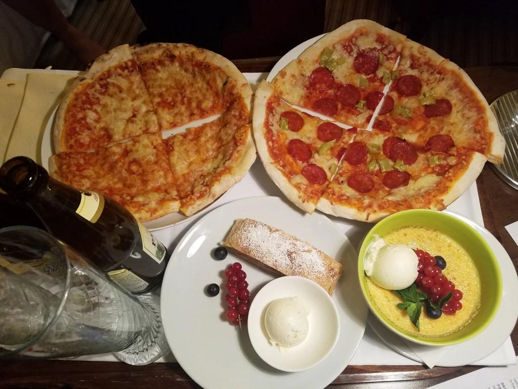 room-service-pizza