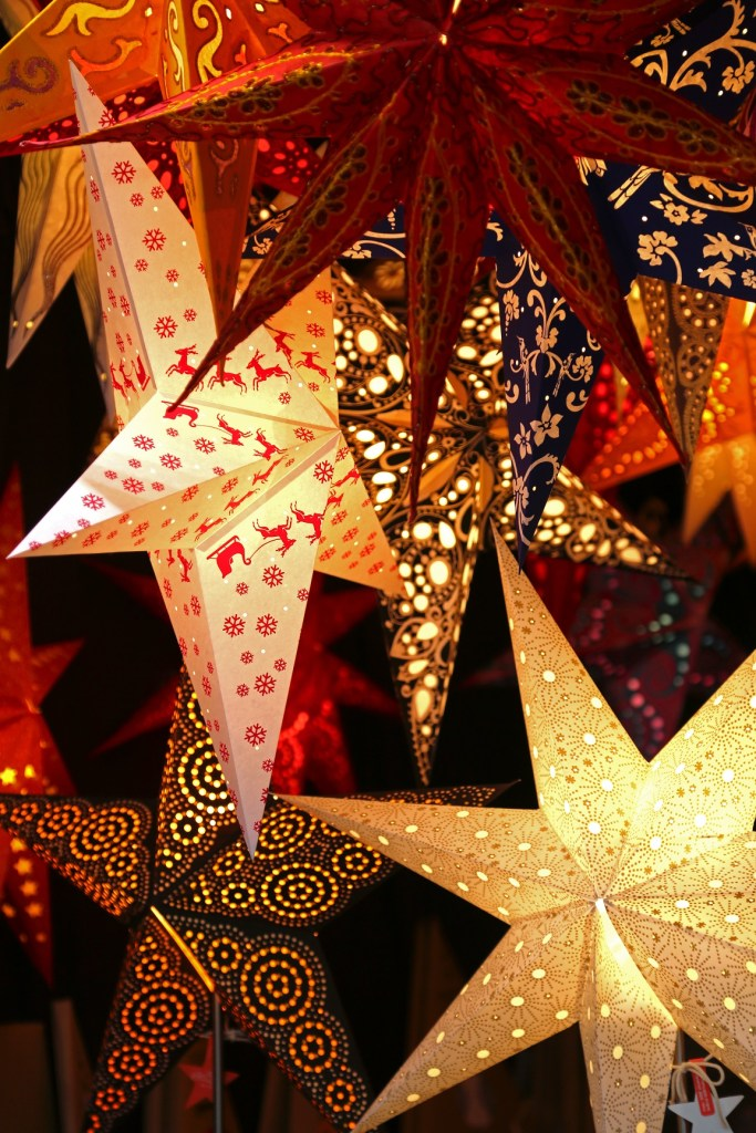 stars-in-the-salzburg-christmas-market