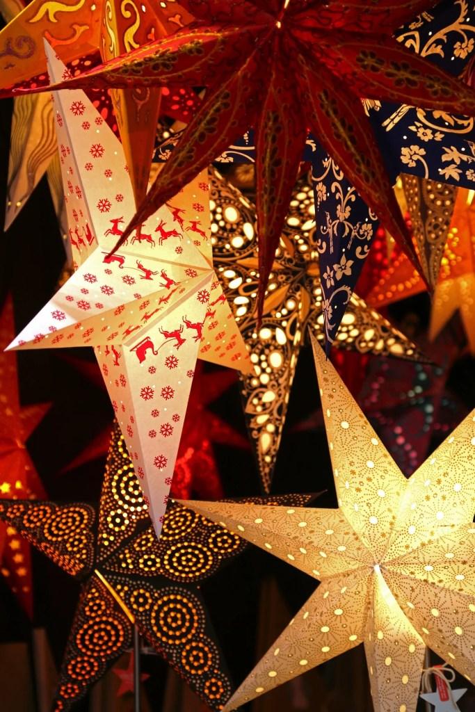 stars-in-the-salzburg-christmas-market