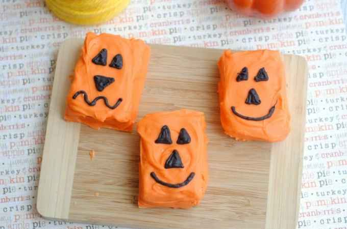 Jack-o-Lantern Pumpkin Rice Krispie Treats