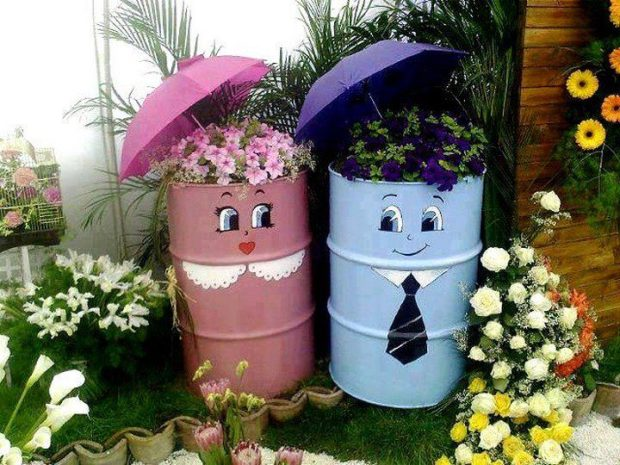 Clever Garden Decorations - Repurposed Barrels
