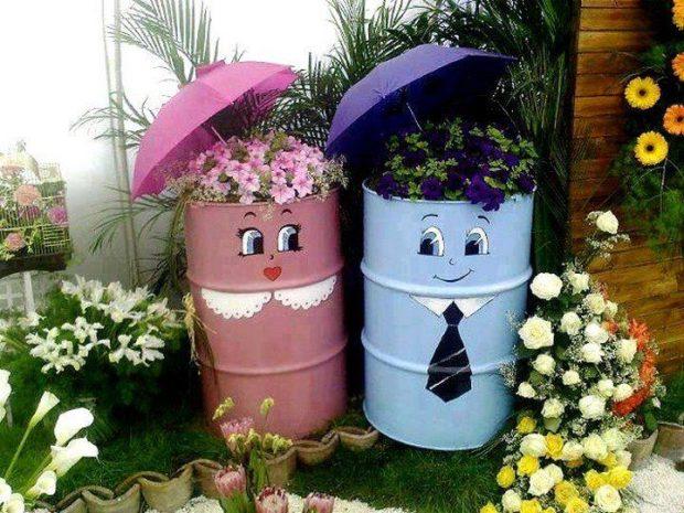Clever Garden Decorations - Repurposed Barrels
