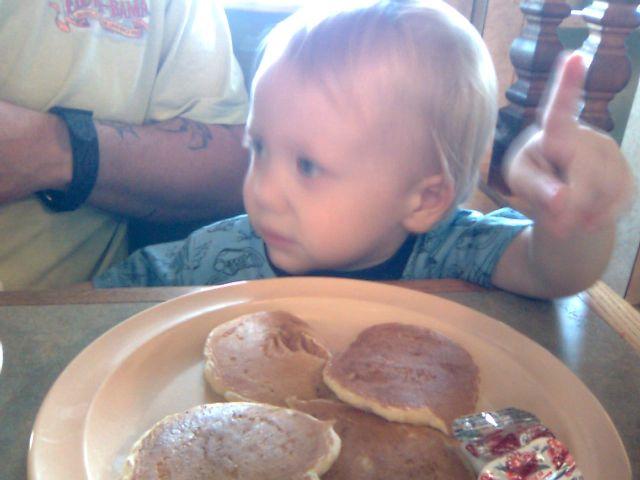pine-marek-pancakes