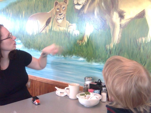 mamas-lions