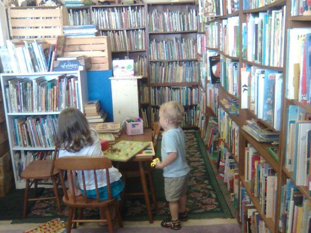 yannys-bookstore1