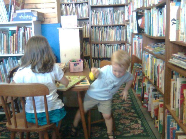 yannys-bookstore2