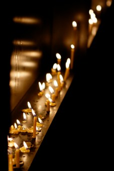 Good-Friday-Candles-2