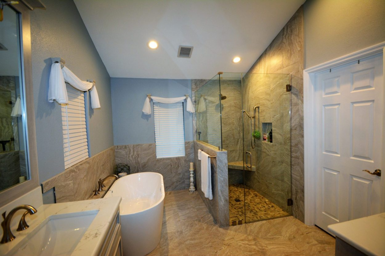 Bathroom gallery tampa the bath kitchen gallery for Bath remodel tampa