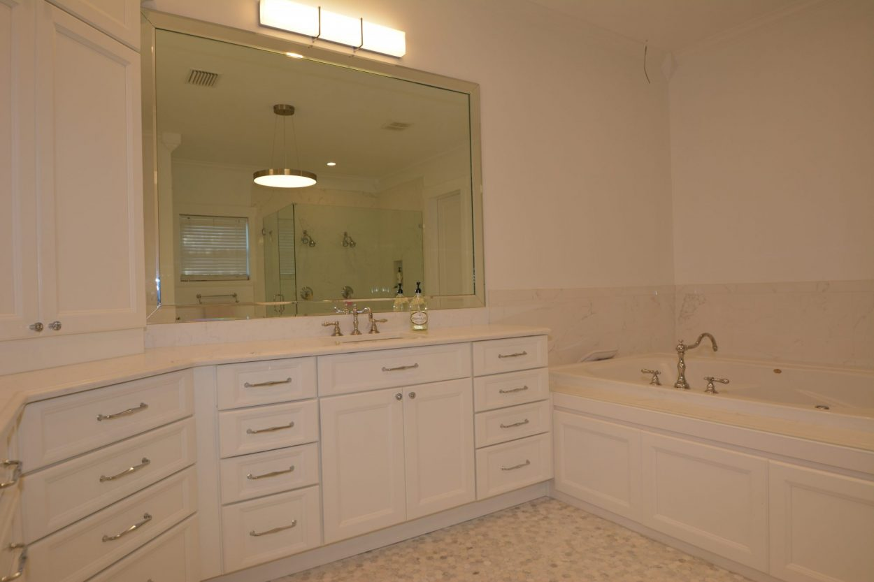 Bathroom remodel 5 bathroom upgrades you can do yourself for Bath remodel tampa